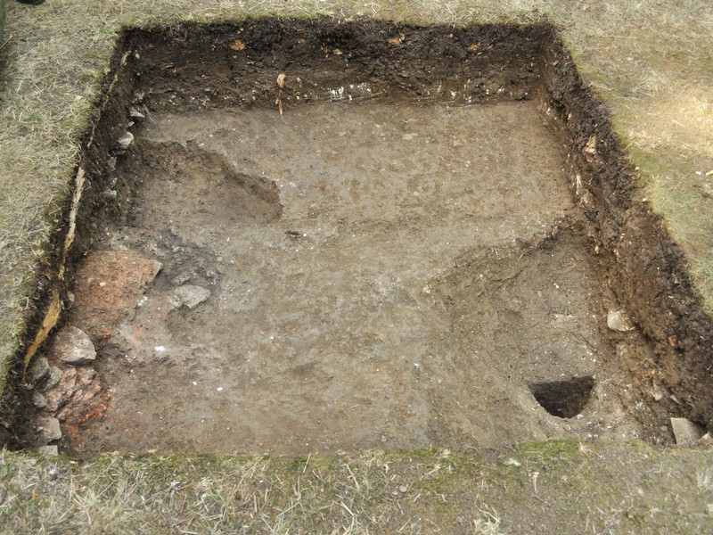 Final trench plan with post hole